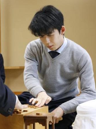 【藤井聡太】目指せタイトル八冠!対局予定・結果速報・勝負めし